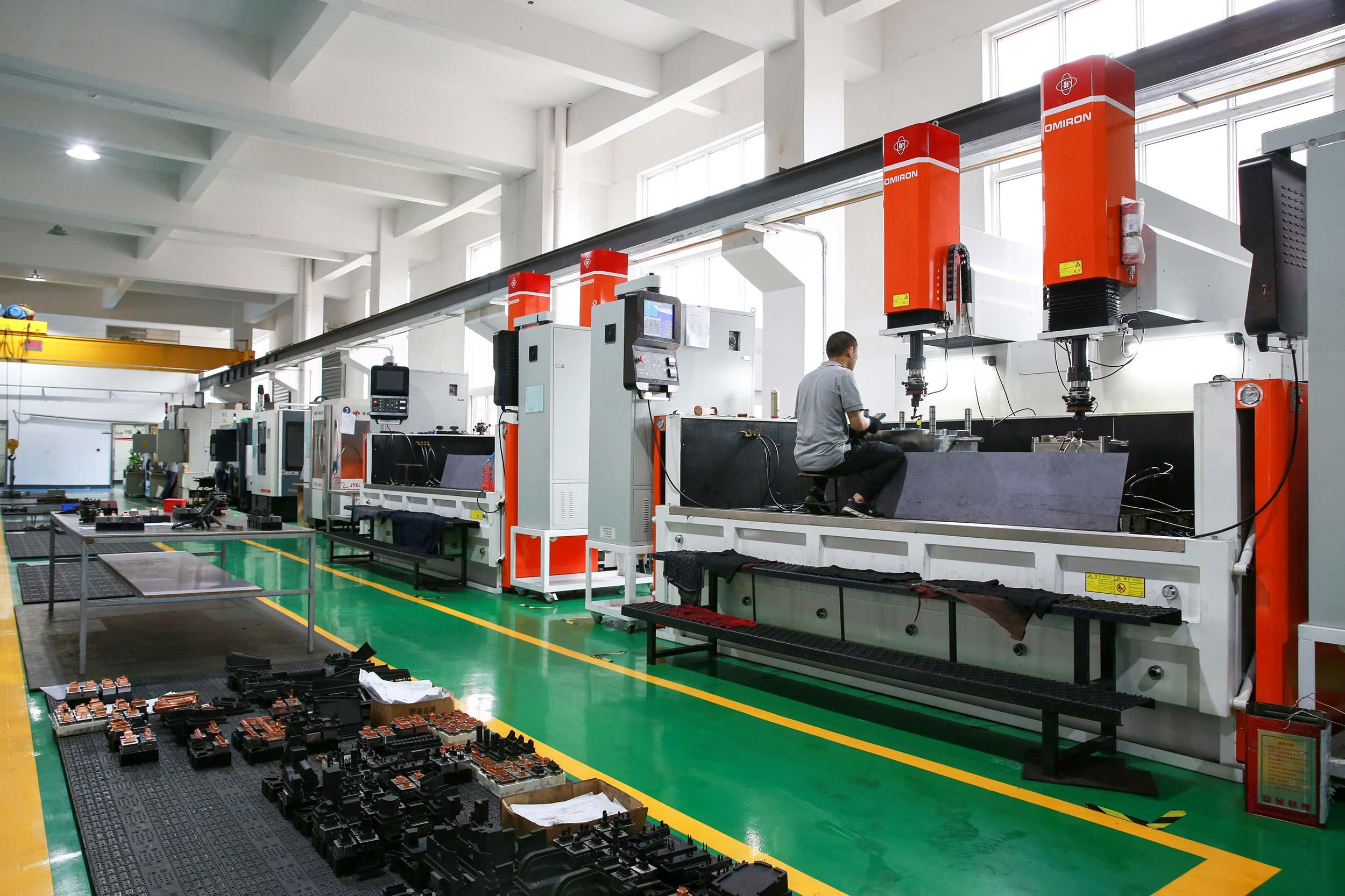 ams-machining1